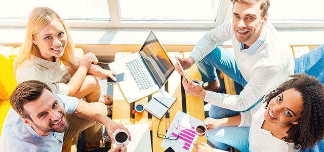 equipe estudando os beneficios de abrir empresa