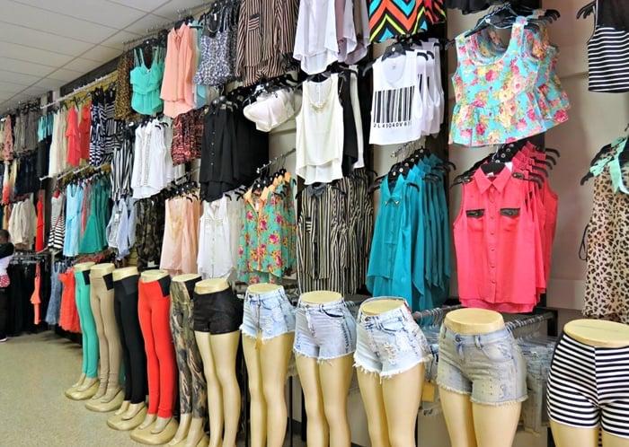 Empresa de uma pessoa que concluiu o processo de como abrir uma loja de roupas