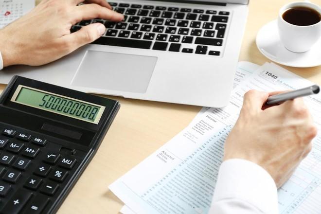 Abrir duas empresas para pagar menos impostos?