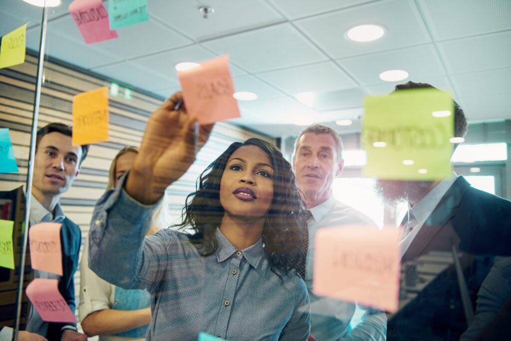 Empresa recebendo consultoria para ter mais sucesso